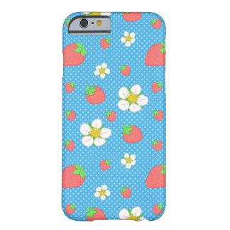 Funda Barely There iPhone 6 Puntos de la fresa en azul