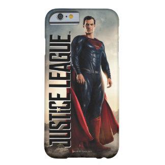 Funda Barely There iPhone 6 Superhombre de la liga de justicia el | en campo