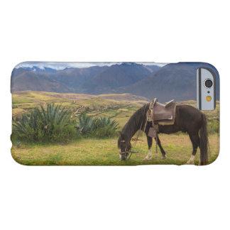 Funda Barely There Para iPhone 6 Caballo sagrado verde del valle II