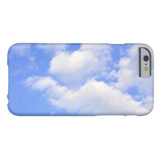 Funda Barely There Para iPhone 6 Corazón de las nubes