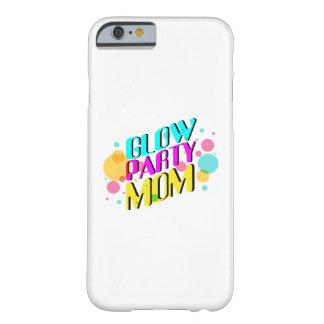 Funda Barely There Para iPhone 6 Fiesta de neón de los años 80 del tema de la mamá