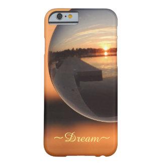 Funda Barely There Para iPhone 6 Puesta del sol sobre la bola de cristal del agua -