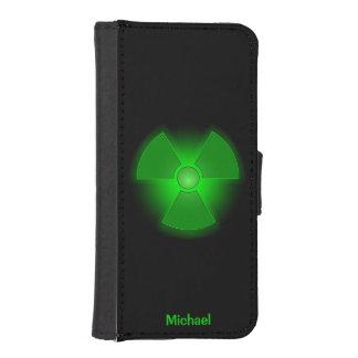 Funda Cartera Para iPhone SE/5/5s Símbolo verde divertido de la radiactividad que