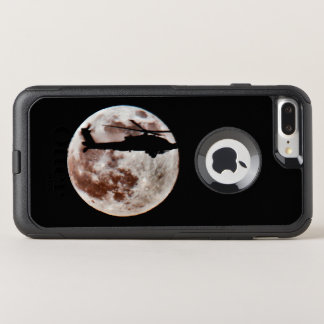 Funda Commuter De OtterBox Para iPhone 8 Plus/7 Pl Helicóptero de ataque militar contra la Luna Llena