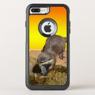Funda Commuter De OtterBox Para iPhone 8 Plus/7 Pl Nutria que come los pescados deliciosos de