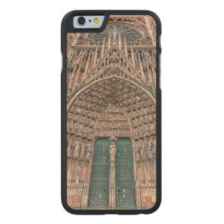 Funda De Arce Para iPhone 6 De Carved Cathedrale Notre-Dame, Estrasburgo, Francia