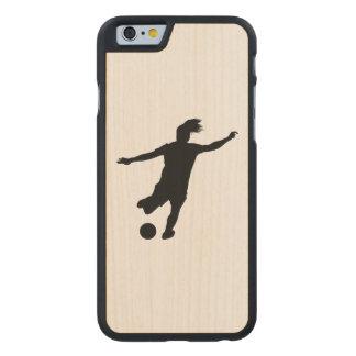 Funda De Arce Para iPhone 6 De Carved Jugador de fútbol de la mujer