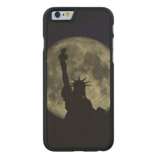 Funda De Arce Para iPhone 6 De Carved Luna y señora Liberty