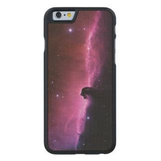 Funda Fina De Arce Para iPhone 6 De Carved Nebulosa de Horsehead que sorprende