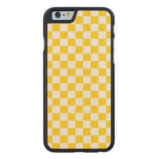 Funda Fina De Arce Para iPhone 6 De Carved Tablero de damas amarillo