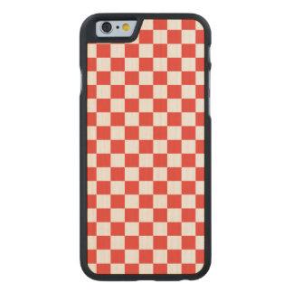 Funda Fina De Arce Para iPhone 6 De Carved Tablero de damas rojo