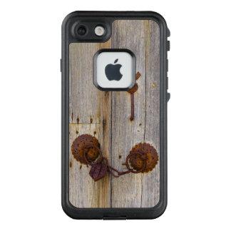 Funda FRÄ' De LifeProof Para iPhone 7 Candado viejo del hierro del vintage oxidado en