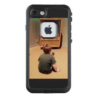 Funda FRÄ' De LifeProof Para iPhone 7 Vintage TV con el logotipo de la manzana cortado