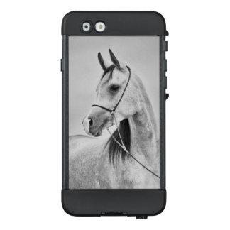 Funda NÜÜD De LifeProof Para iPhone 6 colección del caballo. gris árabe