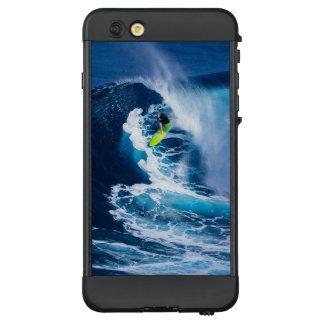 Funda NÜÜD De LifeProof Para iPhone 6 Plus Persona que practica surf en la tabla hawaiana