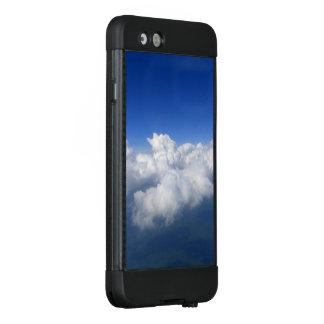 Funda NÜÜD De LifeProof Para iPhone 6 sobre las nubes 03