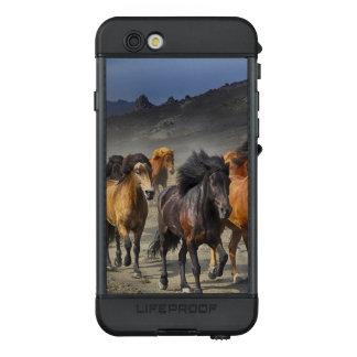 Funda NÜÜD De LifeProof Para iPhone 6s Caballos salvajes
