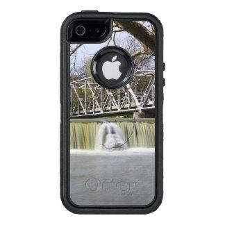 Funda OtterBox Defender Para iPhone 5 Presa de Finley después de la lluvia