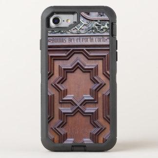 Funda OtterBox Defender Para iPhone 8/7 Casa española de la puerta de la iglesia de la