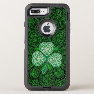 Funda OtterBox Defender Para iPhone 8 Plus/7 Plus Mandala céltica verde Otterbox del trébol