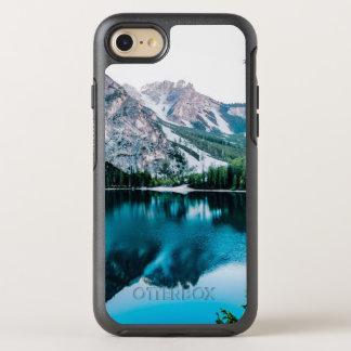 Funda OtterBox Symmetry Para iPhone 8/7 Lago brillante forest de las montañas Nevado