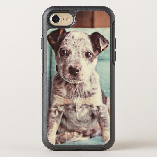 Funda OtterBox Symmetry Para iPhone 8/7 Pequeño perrito lindo en silla del trullo