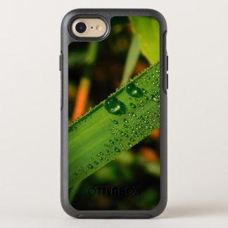 Funda OtterBox Symmetry Para iPhone 8/7 reflexión del descenso de rocío