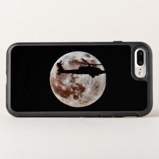 Funda OtterBox Symmetry Para iPhone 8 Plus/7 Plus Helicóptero de ataque militar contra la Luna Llena