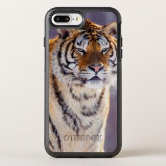 Funda OtterBox Symmetry Para iPhone 8 Plus/7 Plus Tigre siberiano en la nieve, China