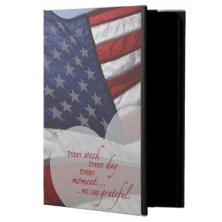 Funda Para iPad Air Bandera patriótica del corazón, aprecio militar