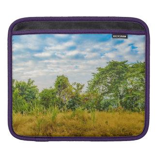 Funda Para iPad Escena tropical del paisaje del prado, Guayaquil
