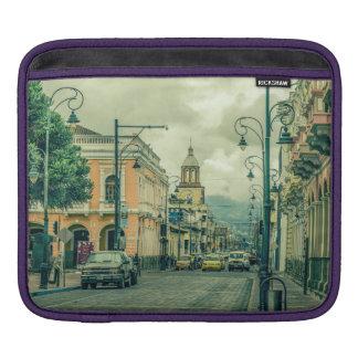 Funda Para iPad Escena urbana de centro histórica de Riobamba