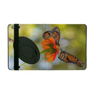 Funda Para iPad Mariposas de monarca en Wildflowers