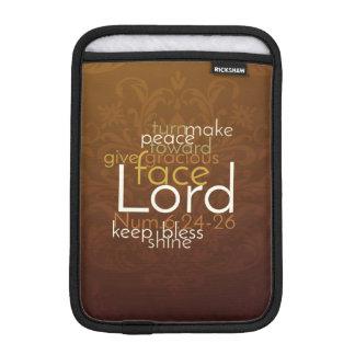 Funda Para iPad Mini Bendición sacerdotal en el damasco de cobre de
