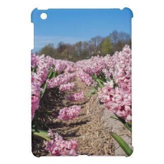Funda Para iPad Mini Campo de flores con los jacintos rosados en
