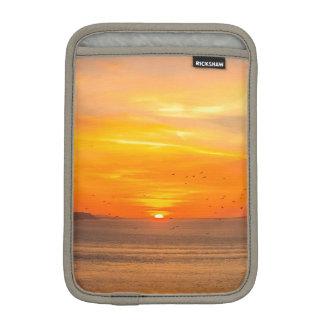 Funda Para iPad Mini Costa de la puesta del sol con Sun anaranjado y