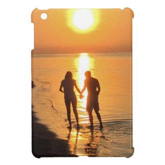 Funda Para iPad Mini Dos amantes en la salida del sol