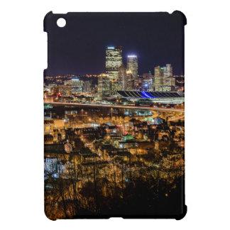 Funda Para iPad Mini Horizonte de Pittsburgh en la noche
