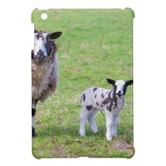 Funda Para iPad Mini Mime a las ovejas con dos corderos recién nacidos