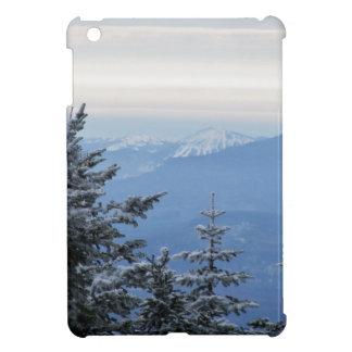 Funda Para iPad Mini Montaña de Sugarloaf en el horizonte en Maine