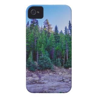 Funda Para iPhone 4 De Case-Mate Bosque y cielo del valle de Yosemite