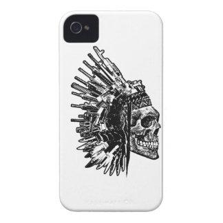 Funda Para iPhone 4 De Case-Mate Cráneo, armas y caja tribales del teléfono de los