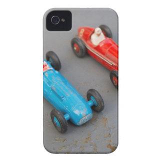 Funda Para iPhone 4 De Case-Mate Dos coches del juguete del vintage