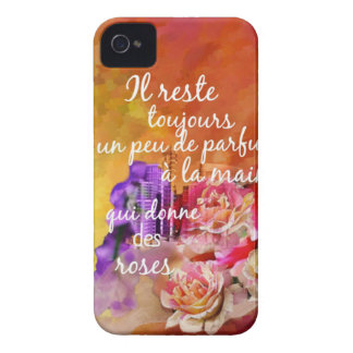 Funda Para iPhone 4 De Case-Mate El olor de los rosas todavía permanece en la mano