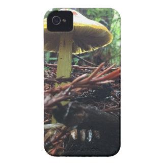 Funda Para iPhone 4 De Case-Mate Seta amarilla del gorra