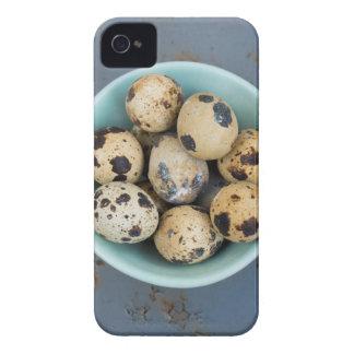 Funda Para iPhone 4 Huevos de codornices en un cuenco verde