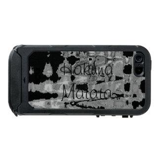 Funda Para iPhone 5 Incipio ATLAS ID Colores blancos y negros de Hakuna Matata