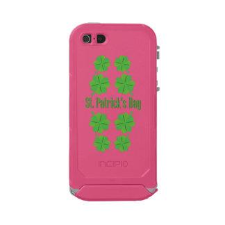 Funda Para iPhone 5 Incipio ATLAS ID El día de St Patrick con el trébol