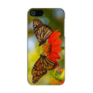 Funda Para iPhone 5 Incipio Feather Shine Mariposas de monarca en Wildflowers