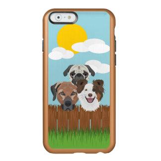 Funda Para iPhone 6 Plus Incipio Feather Shine Perros afortunados del ilustracion en una cerca de